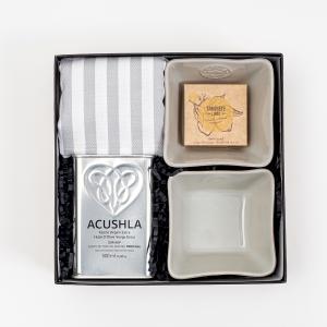Gift Box Prendas de Natal - Azeite Acushla . Taças Costa Nova - Pano de Cozinha Casa Fina . Sabonete Essências de Portugal - Alegre Portuguesa